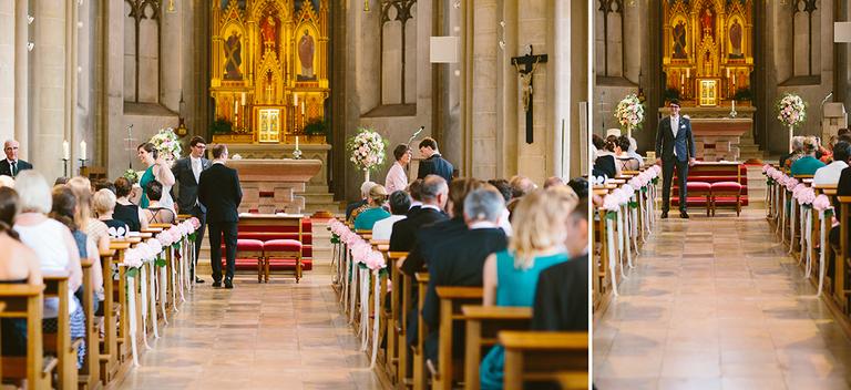 Bräutigam wartet in der Kirche auf seine Braut