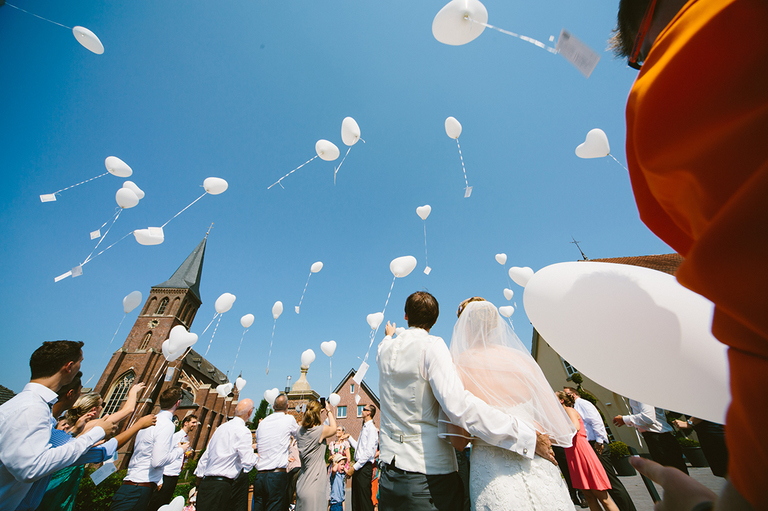 Luftballons steigen in den Himel