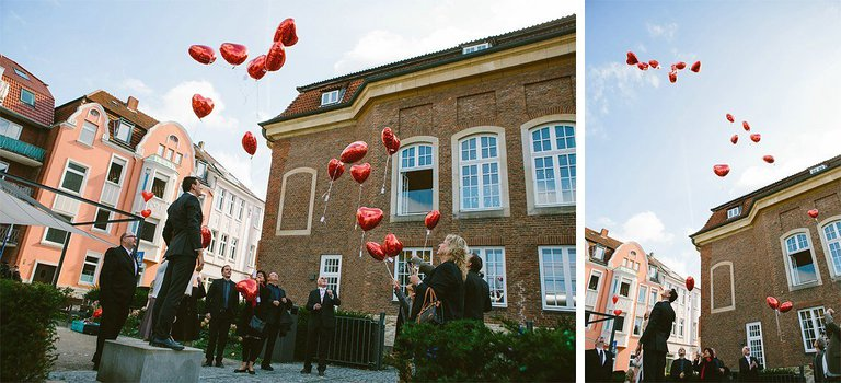 Balone steigen in den Himmel am Lotharinger Kloster
