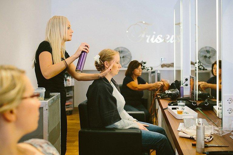 Braut beim Friseur in Münster