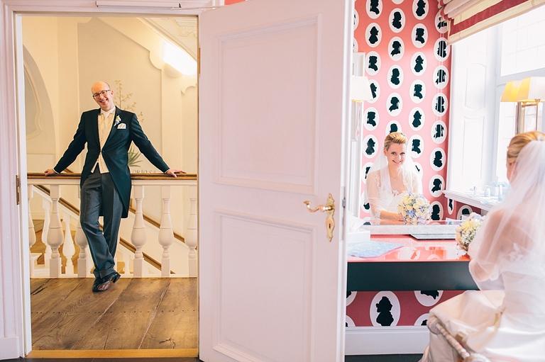 Hochzeit Velen Hochzeitsfotograf Velen Sportschloss Velen NRW Hochzeitsreportage Velen SportschlossHochzeitspaar Orangerie Velen - Velen NRW - Hochzeit Velen Hochzeitsfotograf Velen NRW Hochzeitsreportage Velen Sportschloss Velen NRW