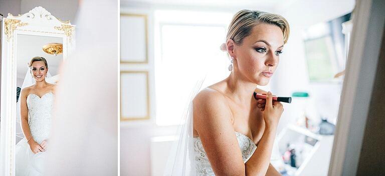 Braut schaut in den Spiegel - Hochzeitsfotograf Beverland - Hochzeitsreportage Beverland - Hochzeitsreportage Beverland