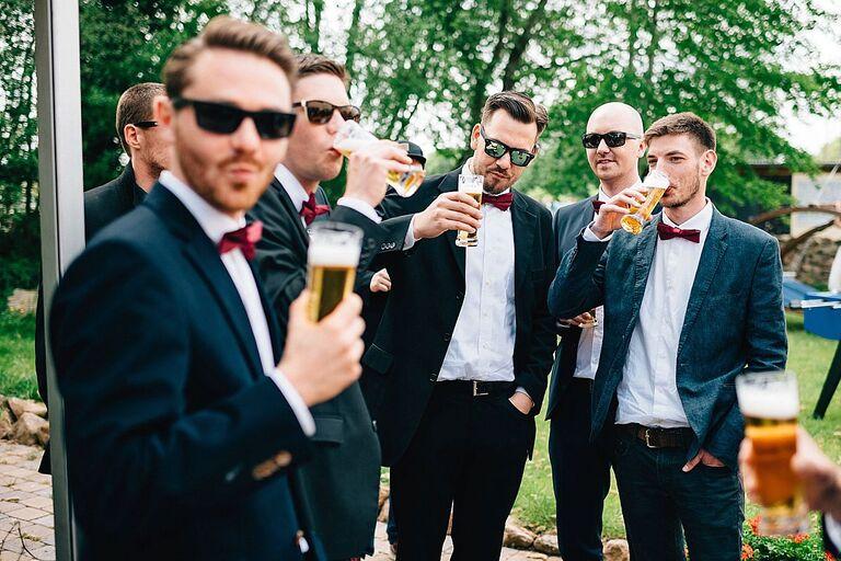 Hochzeitsgäste im Beverland