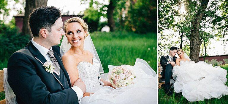 Braut und Bräutigam auf einer Gartenbank - Hochzeitsfotograf Beverland - Hochzeitsreportage Beverland - Hochzeitsreportage Beverland