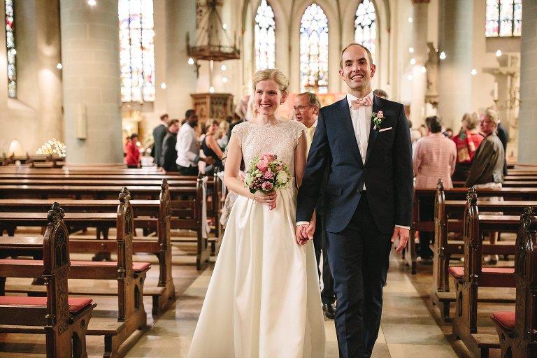 Auszug aus der Kirche ©Markus Koslowski Hochzeitsfotograf Warendorf