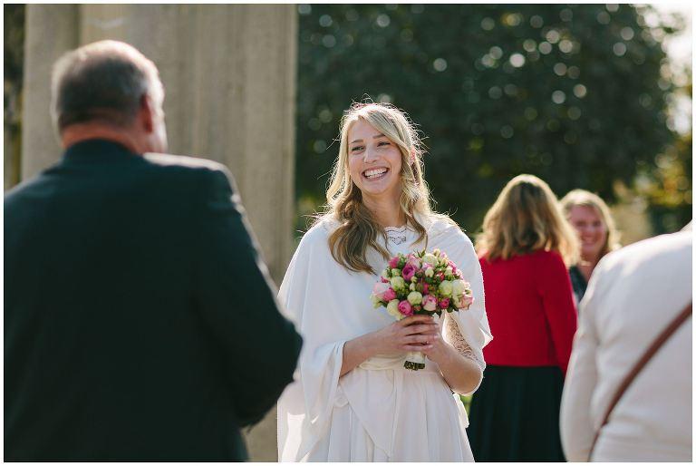 Braut vor der Trauung im Innenhof vom Schloss Nordkirchen ©Markus Koslowski Hochzeitsfotograf Schloss Nordkirchen