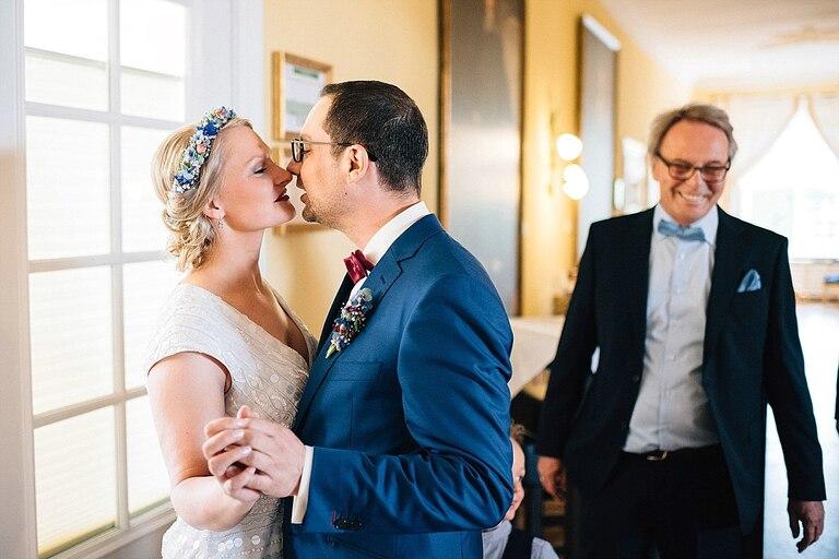 Bräutigam trifft auf die Braut im Sportschloss Velen