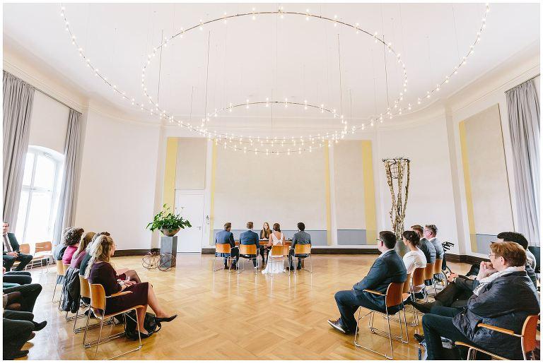 Weitwinkelaufnahme vom großen Saal im Lotahringer Kloster Münster - Hochzeitsfotograf Lotharinger Kloster