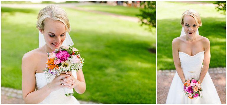 Hochzeit Gut Havichhorst Münster Braut mit Brautstrauß - Hochzeitsfotograf Gut Havichhorst