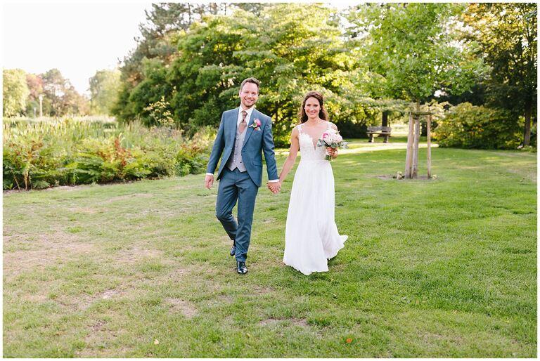 Brautpaar im Salinenpark Gottesgabe in Rheine